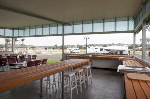 woodbine tourist park lakes entrance kitchen meals